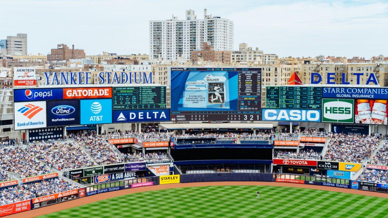 contratar publicidad en estadios